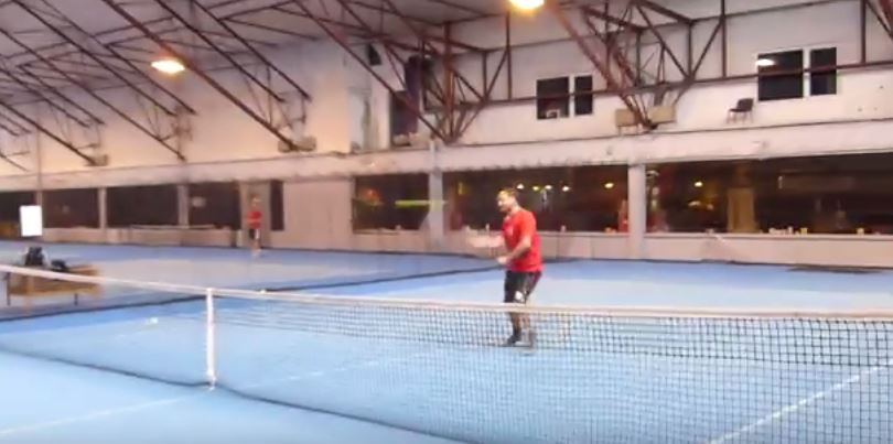 Benjamin nicaise prend des cours de tennis pro for Un cours de tennis